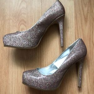 Guess sparkling heels 👠 shoes 👠.